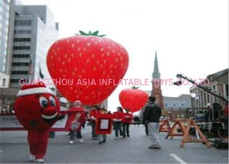 چین Advertising Inflatables Strawberry Character Balloon Giant Fruits Flying Ball کارخانه