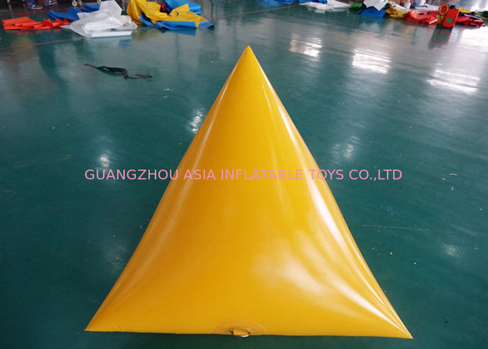 Triangle Shape Yacht Race Market Inflatable Buoys For Water Triathlons Advertising تامین کننده
