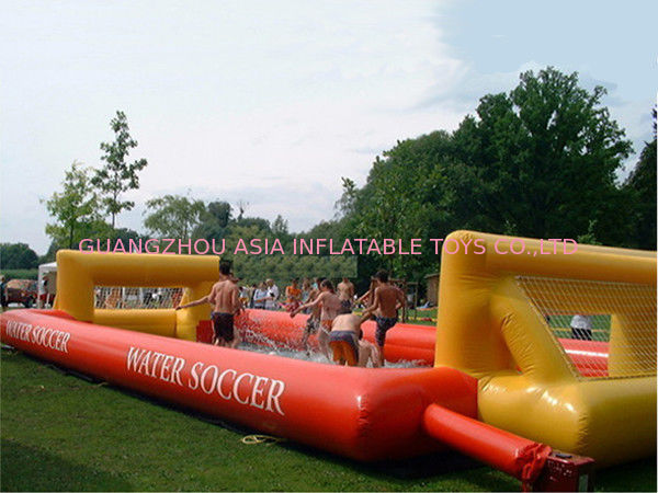 Adult Hot Welding Inflatable Soap Soccer Field / Interactive Inflatable Water Games تامین کننده