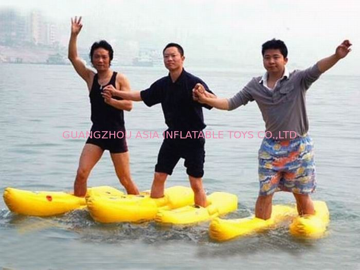 Walking On The Water, Inflatable Water Shoe For Water Amusement تامین کننده