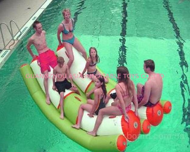 Interesting Inflatable Water Sports , Adult Seesaw Pool Float تامین کننده